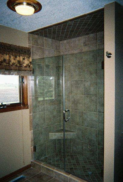 tinted-shower-door-des-moines